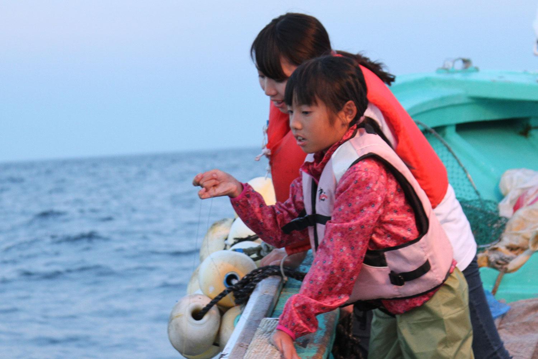 イカ釣り海上遊覧体験